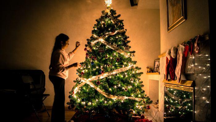 家族や親しい仲間とのパーティータイムには、ワイワイとハッピー気分にしてくれるクリスマスソングを♪