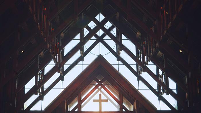お次は、讃美歌のように美しく響き渡るクリスマスソングで、聖なる夜を過ごしたい方に・・・。