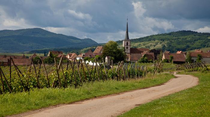 「フランスで最も美しい村」に認定されているミッテルベルグハイムでは、他の村と異なり、ほとんど観光化整備が行なわれていません。そのため、村は昔から変わらない素朴な姿をそのまま残しています。
