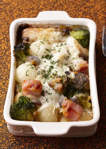 鱈とみそマヨネーズが相性抜群の和風グラタン。お野菜たっぷりで滋味溢れる一皿に。