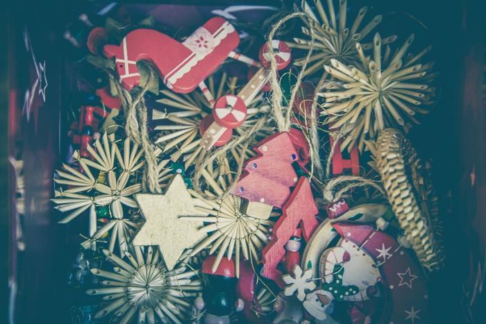 クリスマスマーケットの見どころと日本のクリスマスマーケットをご紹介しましたが、いかがでしたか♪ 本場のクリスマスマーケットのことを知ると、また少し違う楽しみ方ができそう!昼の時間が短く、天候もあまりよくない冬のドイツから生まれたとされる「クリスマスマーケット」ですが、今も世界中のひとにとって素敵なお祭り。ぜひ、みなさんも足を運んでみてくださいね。  *すべてのイベント開催予定は2017年11月下旬のものです。詳細はホームページなどをご確認くださいませ♪