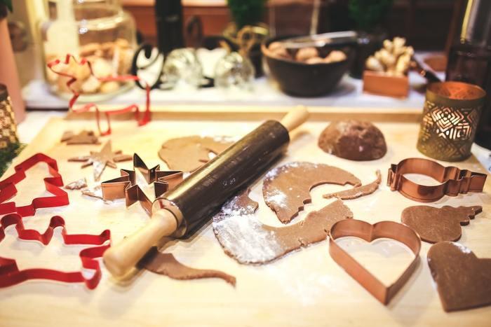 クッキー作りは意外とかんたん!作りやすくて小分けしやすいのでプレゼントやクリスマスパーティーへの手土産にぴったりなお菓子。大切な家族へ、友人へ、恋人へ。サンタクロース気分で誰かにあげたくなるクッキーレシピをご紹介します♪