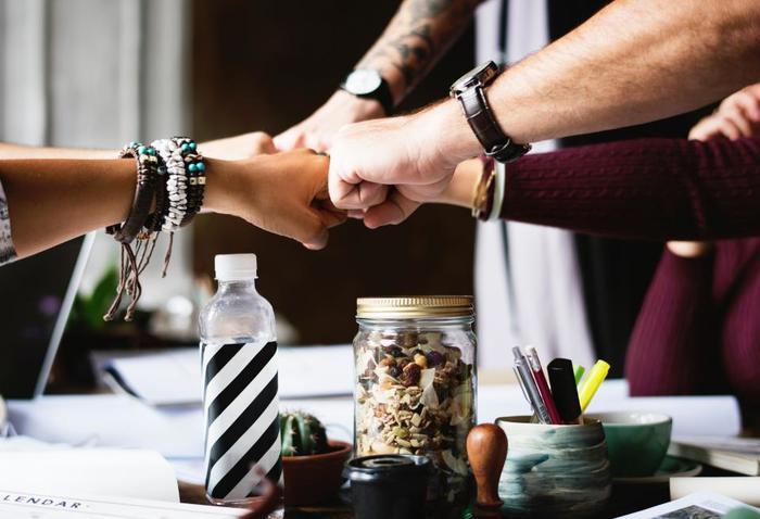 では、職場やママ友という関係性以外で、大人が新しい友人を作るにはどうしたら良いでしょう?