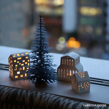 紙の素材感が柔らかな手作りキットのツリー。冬にぴったりの優しい色味が穏やかなお部屋づくりにうってつけ。