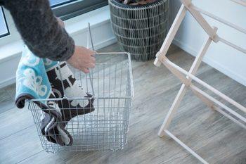 北海道・中標津にある人気のランドリーブランド「とみおかクリーニング」の洗濯カゴ。水や湿気に強く、おしゃれでシンプルなオリジナル洗濯カゴ。簡単に洗え、清潔に使えるのもいいですね。