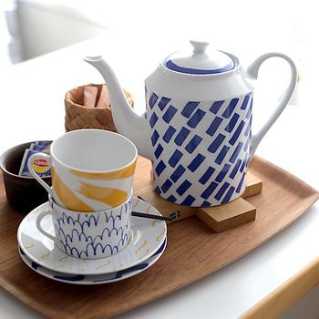 大きめのティーポットはあると何かと便利なアイテムですが、ゆっくりしたい「おうちカフェ」にもぴったりなサイズ。たっぷりと美味しいお茶を用意して、くつろぎの時間を過ごしませんか?
