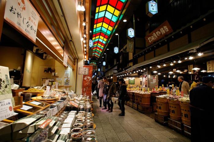 【右:「打田漬物 西店」 左:「京こんぶ 千波」】