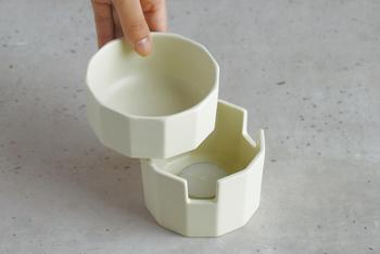 上のうつわは、電子レンジやオーブンに入れて調理可能!内側は角を取ることで最後まで無駄なくディップすることができますし、食洗機も使用可能なのでお手入れもカンタンです◎。この使い勝手の良さもおすすめしたい理由のひとつ。