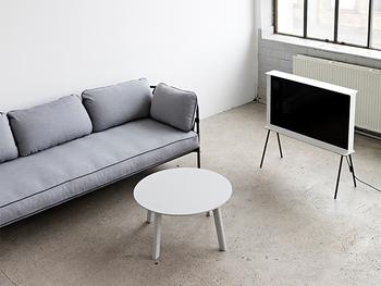家族でくつろぎたいリビングにはこちらの三人用ソファーもおすすめ。一人で使う時には、お昼寝用のベッド代わりにもなりますよ♪こちらは組み立て式で、フレーム、カバー、クッションなどが完全に分かれていますので、お掃除の時にも便利です。