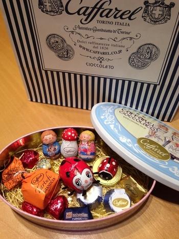 1826年にイタリア・トリノに創業したカファレルの直営店が、神戸にあります。カファレルの缶は、そのデザインの豊富さやかわいらしさから「缶がほしくて買う」という方もいるほど。