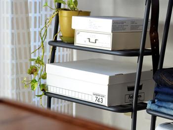 ハーフサイズは、浅いので隙間収納にぴったりです。細かいものも、ごちゃごちゃさせずに収納できます。
