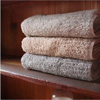 お風呂上りの心地良さを決めるバスタオル。やはり吸水が悪いと気分が良くありません。勿論肌触りも重要。KONTEX(コンテックス)社の作るタオル「Vita(ビータ)」はまるで毛布のような贅沢な感触のタオルです。
