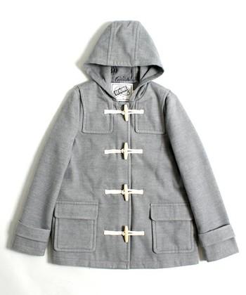 いかがでしたか?ラフさと上品さを併せ持つダッフルコート。オフの日にはもちろん、色やデザイン次第では、お仕事シーンにも大活躍してくれます。ぜひ今年の冬は、お気に入りの一着で、ワンランク上のコートスタイルを楽しんでくださいね。