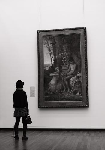 「将来の自分が豊かになること」については、やみくもに節約するのは良くありません。月に一度、美術館に行くのは、心をリフレッシュし、感性を磨くために必要なことかもしれません。人それぞれ、自分を豊かにしてくれることはどんなことなのかをしっかりと考えることが大切です。
