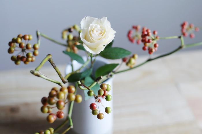 私らしいナチュラルクリスマス。 日本生まれのリースとスワッグを迎えて「花ごよみ」-特別編-
