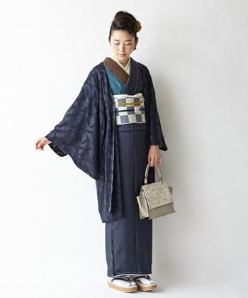 日本の伝統を大切にしながらも、自分らしいスタイルを作り出す「ふりふ」。透け感のあるシフォンで作られた、柔らかな羽織がかわいい。