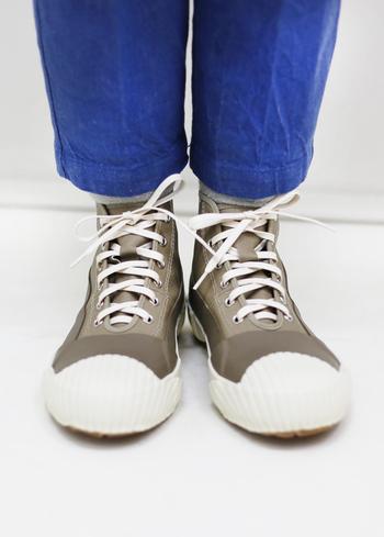 140年以上の歴史がある靴メーカー「MOONSTAR(ムーンスター)」の高機能でおしゃれな一足。完全防水なので、雨の日はもちろん、カジュアルなアウトドアやフェスなどでも活躍してくれること間違いなしです。(\16,000(税抜))