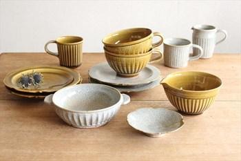 なかでも陶の器は、生活に取り入れやすいアイテム。土のぬくもりを掌で感じられる陶器は、どこか私たちの心をあたたかくしてくれます。