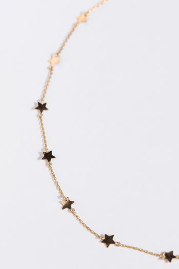 ペンダントヘッドが星になっているネックレスはたくさんありますが、チェーンに星が散りばめられたデザインは珍しいですよね。とってもシンプルなのに主張があって華やかに見えるデザインは、カジュアルなパーティにぴったりです。