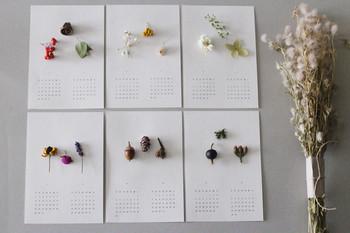 本物の花と木の実を使用して作られたカレンダーは、毎年大人気だという商品のひとつ。2018年度分はすでに完売してしまっているので、気になる方は2019年度分を早めにチェックしましょう♪