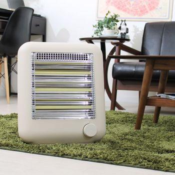 乾燥する季節に嬉しいスチーム機能付きのストーブは、角の無い丸っぽいデザインが可愛らしい雰囲気。小さいながらも、必要最小限の機能をしっかり搭載しています。お部屋全体が暖まるまでの間、まずは足元や手元を素早く暖めたい!という時に、とっても便利です。キッチンでお料理をしている足元を暖めたり、デスクの足元に置いて使ったりと、寒い季節の必需品になりそう…