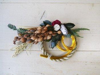 しめ飾りや門松は12月13〜28日の間に飾るようにしましょう。29日〜31日の間は「二重苦」「一夜限り」と言われ、縁起担ぎの面でおすすめできません。