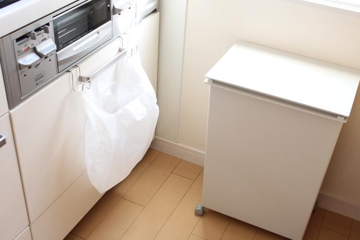 年末年始はゴミの収集もお休みになりますので、早めに捨てられる物は処分して。お正月は空き缶や空き瓶、食材用トレーなど普段より多くのゴミが出やすいので、増えても大丈夫なように場所を確保しておきましょう。臭い対策も考えておくと良いですね。