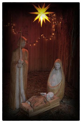 クリスマスの飾りつけのテーマに悩んだら、今年は「星モチーフ」を積極的に取り入れてみてはいかがでしょうか。クリスマスツリーのてっぺんに輝くダビデの星は、クリスマスの象徴。「星モチーフ」はクリスマスの雰囲気も楽しめて、クリスマスを過ぎてからも使えるオススメのモチーフです。今回は、そんな「星モチーフ」の雑貨をご紹介します。
