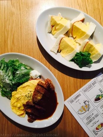 そして、店名の「マドラグ」と聞いてピンと来た方多いのではないでしょうか?この「マドラグ」、京都で伝説の喫茶マドラグの東京店なんです。一番の有名は、やはりタマゴサンド。フワッフワの厚焼き卵をサンドした絶品のサンドイッチで、ここに来たら必ず食べたい逸品です。