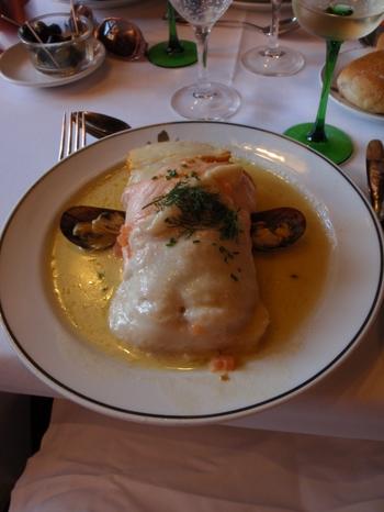 メゾン・カメルツェルのおすすめは、白身魚をメインとした「シュークルト・オ・ポワッソン」。さっぱりとしたアルザスの白ワインに合いますよ。