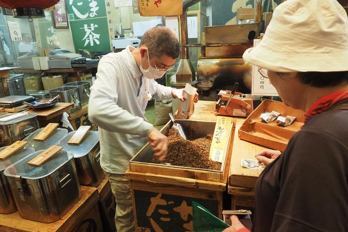 【茶の量り売りの店「茶・やまだしや」】