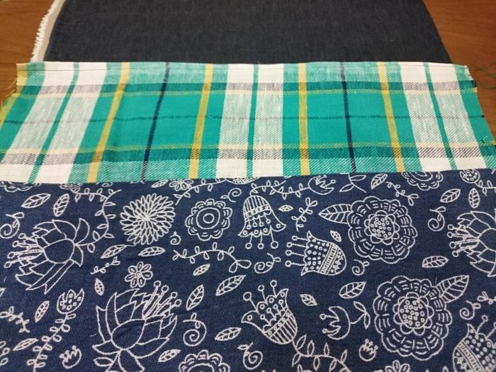3種類の布を組み合わせて作るので、合わせ方でセンスが出ます。同系色で合わせたり、柄同士で合わせたり。組み合わせを考えるのも楽しい時間です。