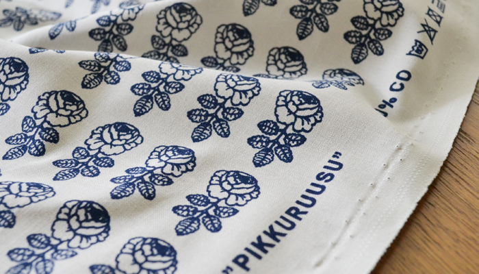 マリメッコの人気柄「VIHKIRUUSU」の、小花柄バージョン「PIKKURUUSU(ピックルース)」は日本限定の貴重なテキスタイルです。小物を作っても柄が活かせるサイズです。