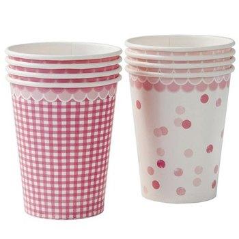 可愛い紙コップを選べばより可愛く仕上がりますね。シールやリボンなどでカスタムしても◎
