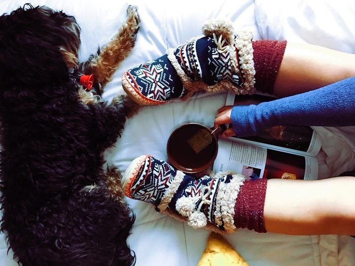 ボリュームがあってあったかいノルディックアイテムを身につけるだけで、冬気分が盛り上がりますよね。セーターやカーディガンだけでなく、靴下やニット帽など、大人が着るからこそオシャレで可愛い、ノルディックアイテムの素敵コーデをご紹介します。