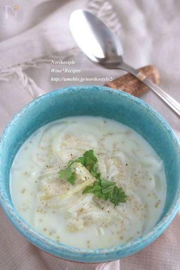 完全栄養食と言われるキアヌ入りのジンジャーミルクスープ。キアヌを事前に茹でておけば、10分以内に完成するお手軽スープ。朝から栄養満点です。