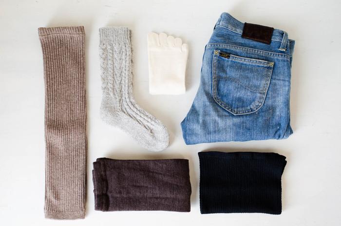 体を温めて、寒い季節を快適に過ごすための温活。冷えがちな場所をピンポイントで守るのもいいけれど、体の中心を芯から温める温活も取り入れてみませんか?スッキリとしてお洋服にひびかない腹巻をいつものインナーにプラスして、寒い季節を快適に過ごしましょう。