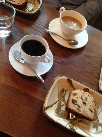 パティスリークリエーターとして活躍している田中博子さんの考案したフルーツケーキは、しっとりとして上品な甘さ。深煎りの味わい深いコーヒーと相性抜群です。