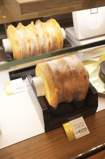 外側は香ばしく、中はしっとりとした「マウントバームしっかり芽」も人気。濃厚なバター風味の生地を長時間かけて焼いています。期間限定の味もありますので見逃せませんね。