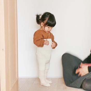 腹巻は大人だけのもの?いいえ、子供用の可愛らしい腹巻もあります。お腹を出して冷やしがちな子供に持ってこい。