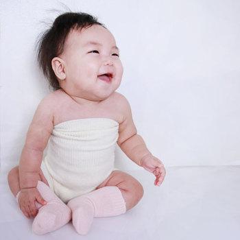 高い伸縮性で80~110cmまで対応しているので、赤ちゃんから着ることができます。出産祝いにも良いかも。