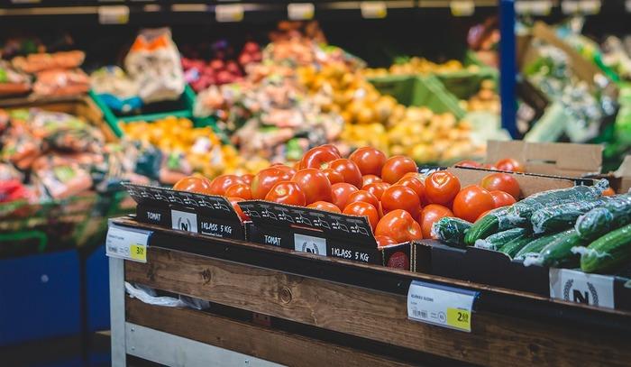 なんとなく「食材の買い出しは毎日するべき」だと思い込んではいませんか? 確かに新鮮な食材を購入することはできますが、買い物に行くと何か買わずにいられなくなり、不必要なものまで購入することにも。スーパーでの買い物を2、3日おきにできると、無駄な買い物をせずにすむはずです。