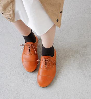 長く履きたい大切な革靴。普段からのお手入れがとても大事です。こまめにお手入れをして10年後も履き続けましょう♪
