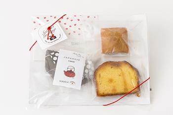 気軽に渡せて気持ちも込められるお年賀なら「ニッポンの西洋菓子&和紅茶」を。日本の食材を使用したパウンドケーキとフィナンシェ各1個、静岡県産の和紅茶がセットになっています。