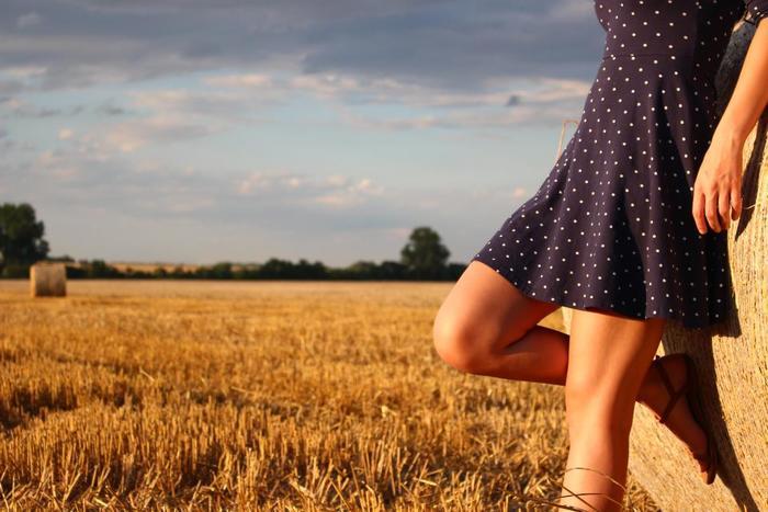 太ももの前側にあるのが「大腿四頭筋」。ここは体の中で最も面積の大きい筋肉です。つまり、筋トレをしたときに効果が出やすい場所ということに。大腿四頭筋が弱ってくると、ひざが安定しなくなってしまいます。ひざに負担がかかり、ひざ痛が起きることにも。