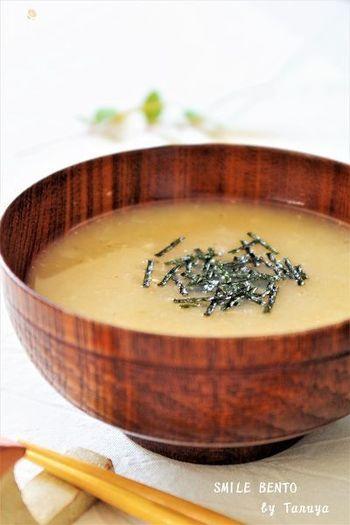 長芋には、粘膜を保護してくれる効果が期待できます。炎症を起こしかけている不調な喉にはぴったり。抗酸化作用のあるお味噌と組み合わせることで、さらに栄養価もアップします。