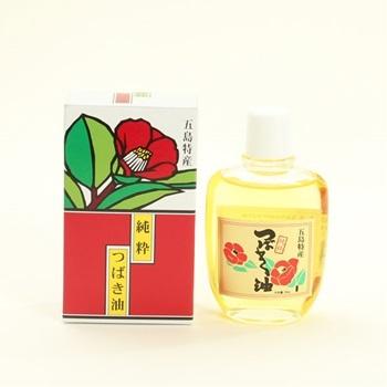 ナチュラルなヘアケアとしておなじみの椿油。長崎県五島列島の椿の実を厳選した高品質なオイルが髪に潤いを与え、つややかな髪に仕上げます。天然のオイルなので、髪だけでなく全身に使えるのもポイントです。