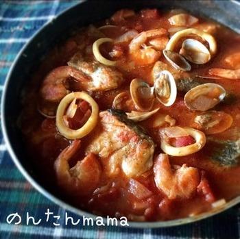 スープは冷凍保存が可能なので、あらかじめ作っておけば必要な時にさっと調理♪海の恵みがぎゅっと詰まった、冬にぴったりのあったかレシピです。