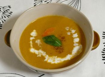 パンプキンとシナモンの組み合わせは絶妙。 このようにスープにしても良いですが、蒸したパンプキンにシナモンを振りかけるだけでもおいしくいただけます。
