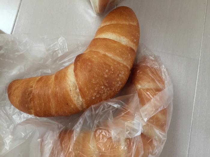 焼き立てがあればすぐにでもゲットしたい塩パンは、さっぱりした優しい味が人気です。
